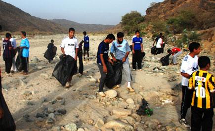 بلدية ثريبان ونادي تهامة الاجتماعي ينفذان حملة للنظافة ln34.jpg
