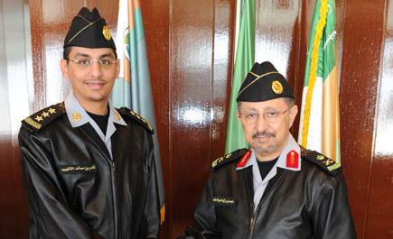 اللواء الرشيد يقلد عددا من ضباط كلية الملك خالد رتبهم الجديدة