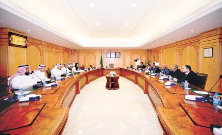 خلال اجتماعه بوزير الصحة السعودي ln_35_1.jpg
