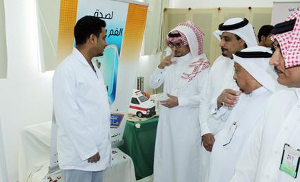 الصحة والتعليم يُطلقان المعرض التوعوي ln_64_1.jpg