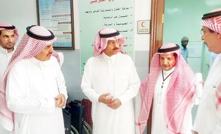 أمير منطقة الرياض ونائبه يزوران ln_15_1.jpg