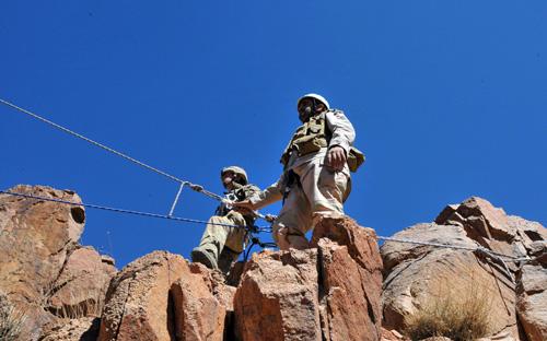 الموسوعه الفوغترافيه لصور القوات البريه الملكيه السعوديه (rslf) Fe_148_1