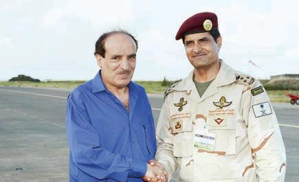 عقد مؤتمرا صحفيا في القاعدة الجوية في جزيرة كورسيكا قائد التمرين الفرنسي لـ الجزيرة