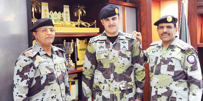 قائد قوات الطوارئ الخاصة يقلد التميمي رتبته الجديدة