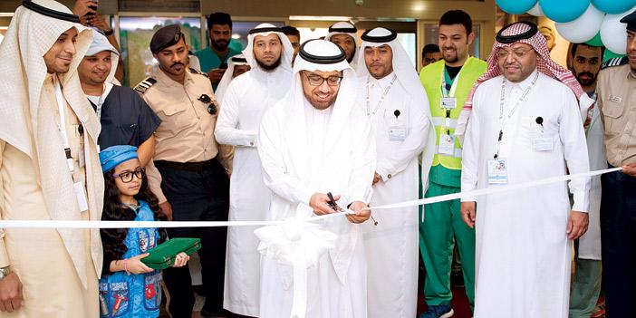 مدير جامعة الملك فيصل يفتتح فعاليات معرض كلية الطب البيطري والمجتمع
