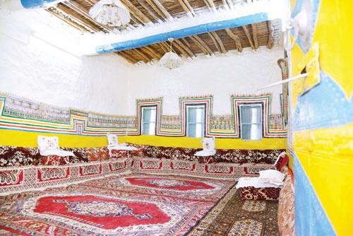 الزخارف الحائطية فنون تزين البيوت التراثية في عسير